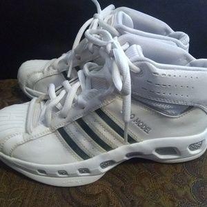 Adidas pro model men's shoes size 7.5